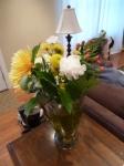 Why, hello $6 No Frills flower arrangement!