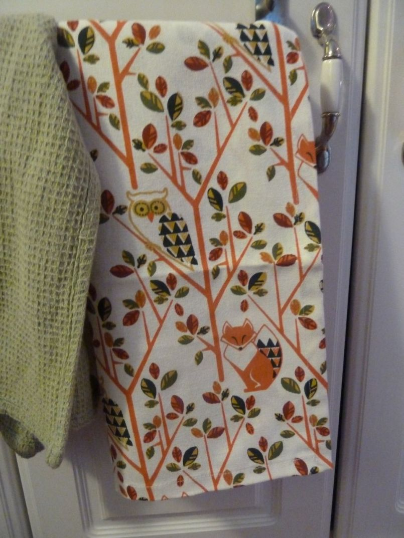 Time to break out the fall themed tea towels!